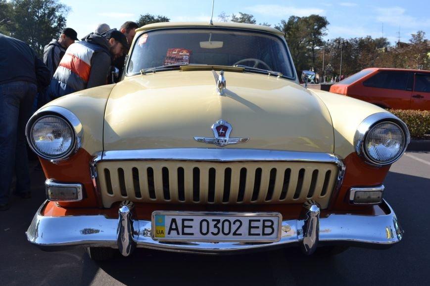 В Днепродзержинск съехались ретро-автомобили, фото-5