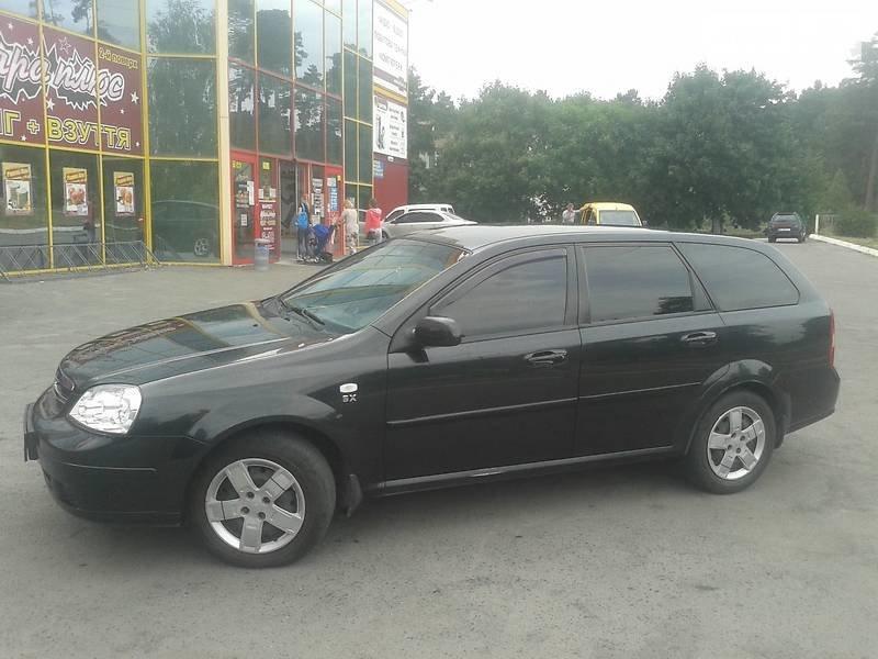 Кандидати на мера Львова: одні їздять на автівках, інші – ходять пішки (фото) - фото 5