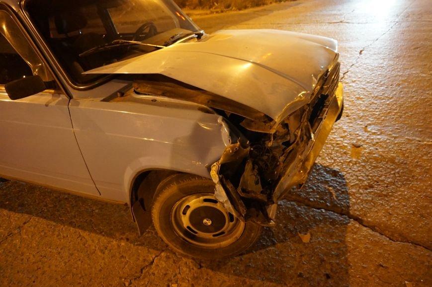 ДТП в Кривом Роге: в результате столкновения «Mazda» и «Жигули» пострадал 18-летний пешеход (ФОТО) (фото) - фото 1
