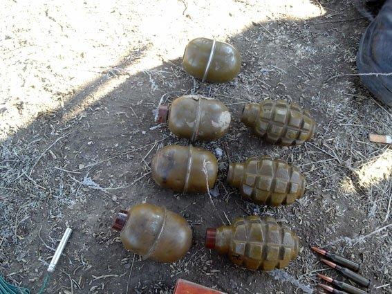 Под Мариуполем обнаружен тайник с боеприпасами (ФОТО) (фото) - фото 1