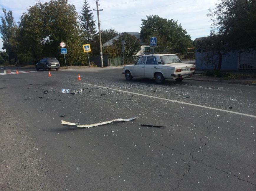 В Мариуполе  автомобиль, бурящий скважины, пробурил забор (ФОТО), фото-4