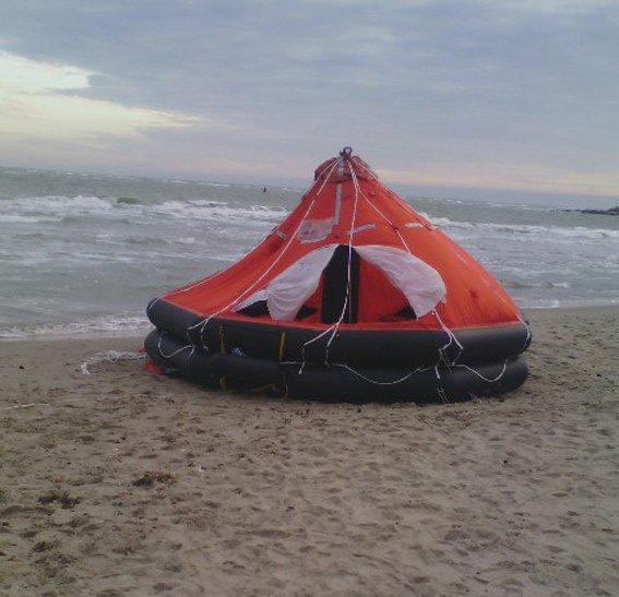 «За бабки в любую погоду вывозили», - соцсети о морских прогулках на смертельной «Иволге» (ФОТО) (фото) - фото 2