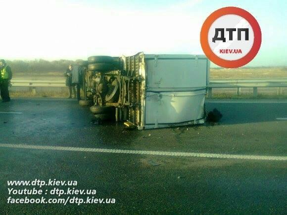 Под Киевом водитель Range Rover опрокинул грузовик (ФОТО), фото-4