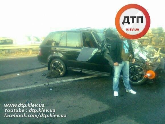 Под Киевом водитель Range Rover опрокинул грузовик (ФОТО), фото-1