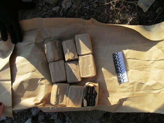 В Славянском районе обнаружили тайник с боеприпасами (фото) - фото 4