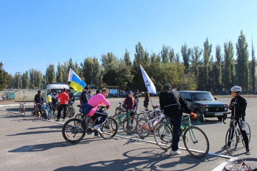 Павлоградцы закрывали велосипедный сезон массовым велопробегом (фото) - фото 3