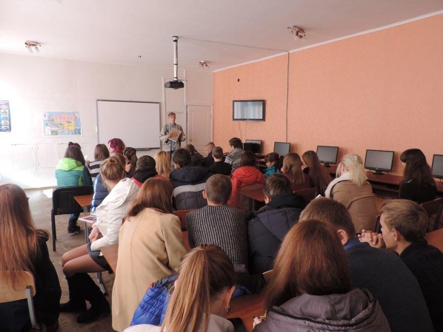 Курсант НУГЗУ  рассказал будущим выпускникам Доброполья как подготовится и поступить в ВУЗ (фото) - фото 1