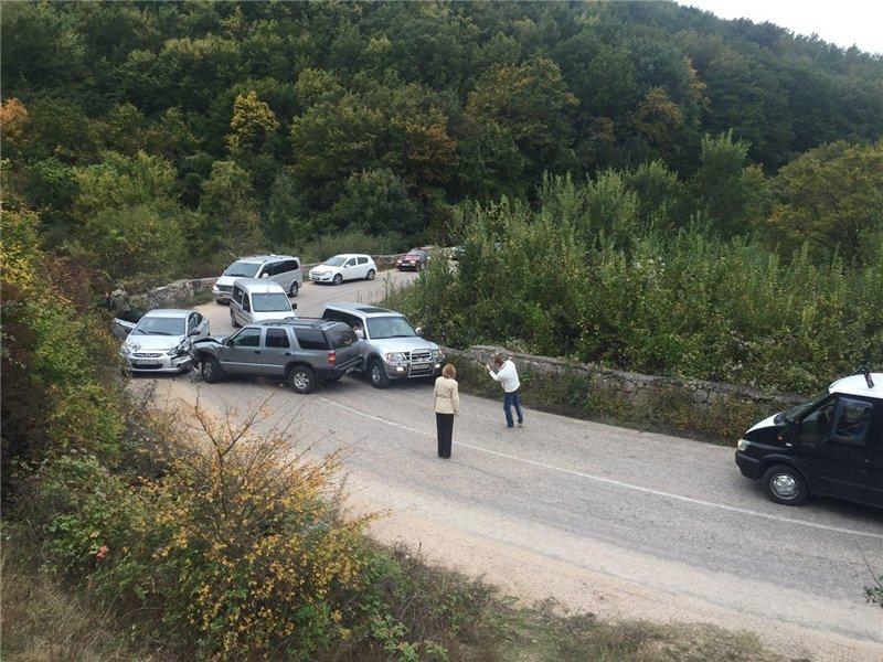 В Севастополе «Мерседес» снес забор, за городом – ДТП на «серпантине» (ФОТО) (фото) - фото 1