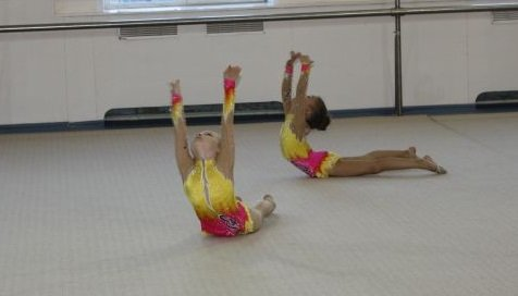 Сыктывкарские гимнастки порадовали тренеров (фото) - фото 1