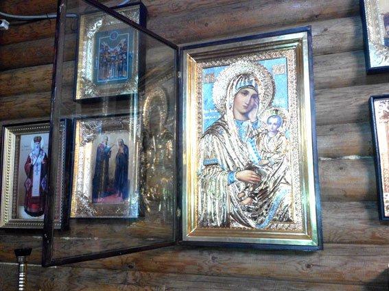 В Полтаві обікрали храм (фото) - фото 2