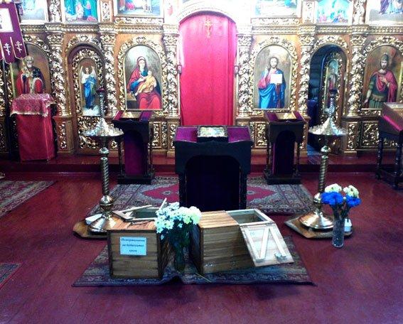 В Полтаві обікрали храм (фото) - фото 1