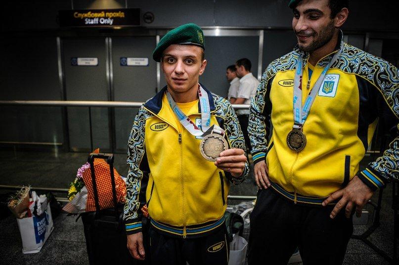 Геворг Манукян та Дмитро Замотаєв, бронзовий чемпіон світу у найлегшій ваговій категорії