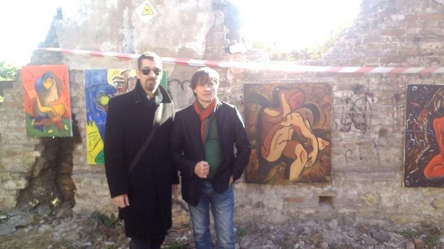 В развалинах мариупольской синагоги художники смогли вырваться из «Плена» (Фотофакт), фото-4