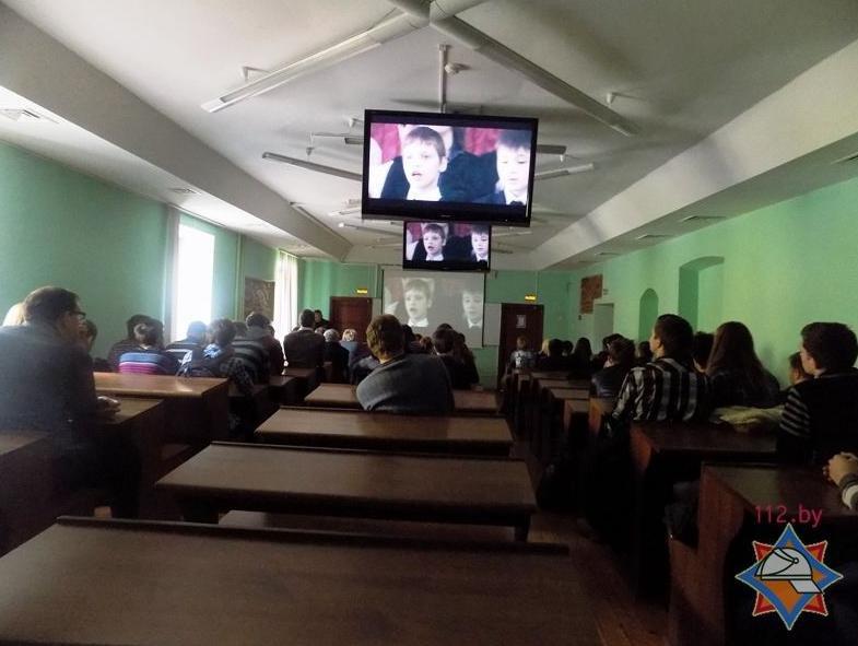 Сотрудники Витебского отдела по ЧС посещают учреждения Полоцка и Новополоцка (фото) - фото 1