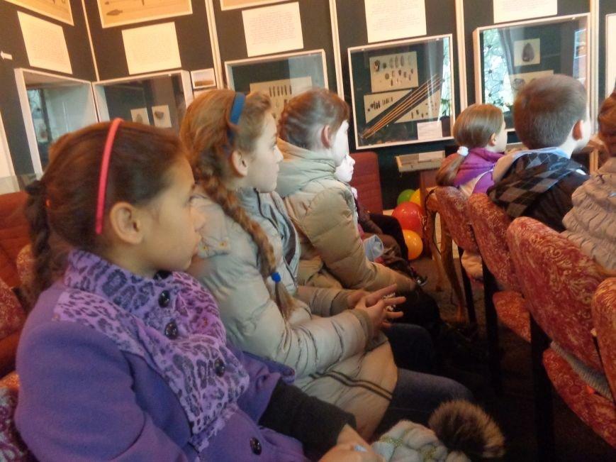 Сотрудники Красноармейского исторического музея провели археологический экскурс для учащихся ОШ №12 (фото) - фото 3