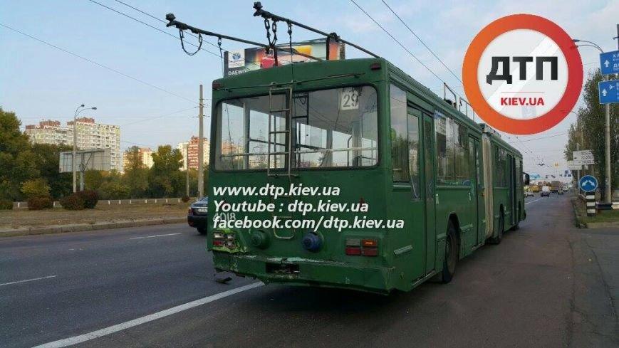 """На Троещине пьяный водитель """"Шевроле"""" протаранил троллейбус (ФОТО), фото-5"""