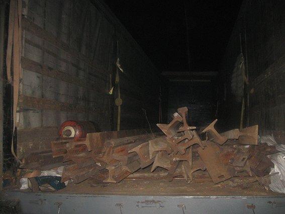 В Кривом Роге  «черные металлисты» пытались украсть функционирующие железнодорожные рельсы (ФОТО) (фото) - фото 1