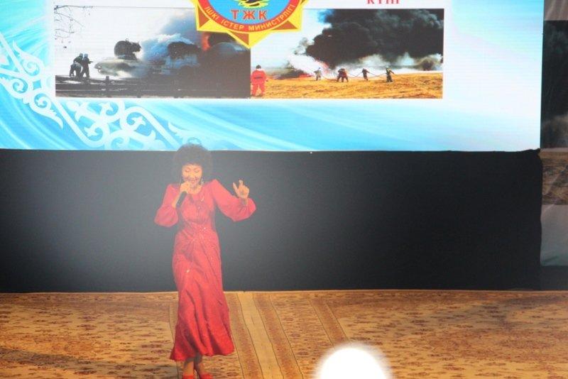 136 мангыстауцев наградили юбилейными медалями в честь Дня спасателя (ФОТО) (фото) - фото 4