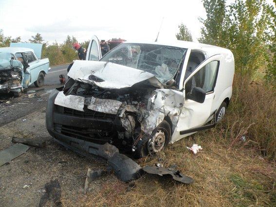 На Николаевщине выехавший на «встречку» водитель погиб на месте (ФОТО) (фото) - фото 1