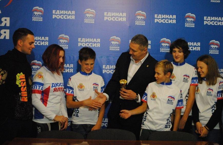 Антон Тихомиров встретился со спортивной общественностью (фото) - фото 1
