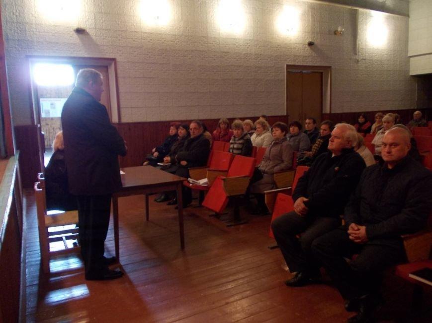 Глава Красноармейской райгосадминистрации поговорил с жителями района об экологии, перевозках и ночной электрификации в селах (фото) - фото 1