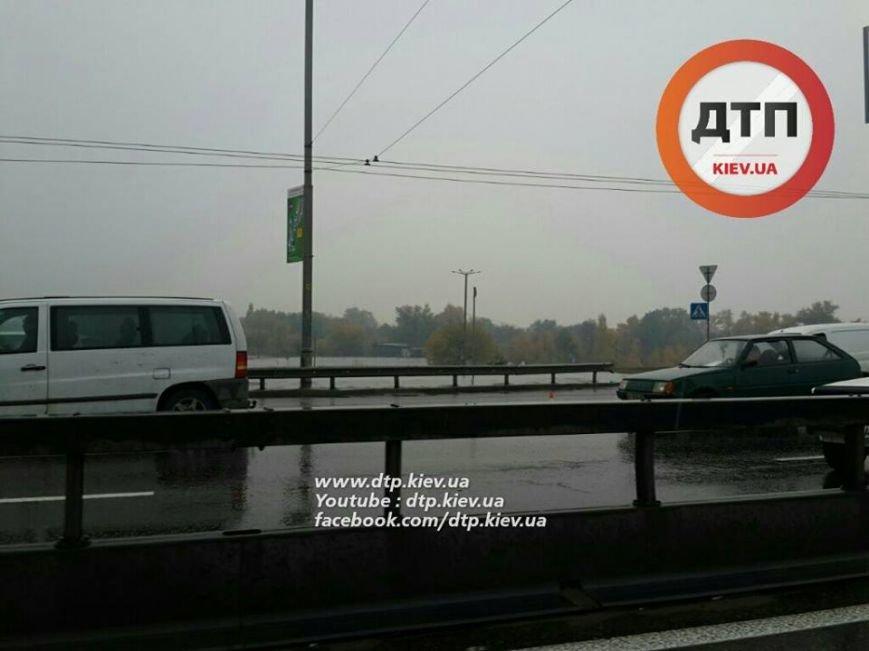 Масштабное ДТП парализовало движение на Московском мосту (ФОТО), фото-4