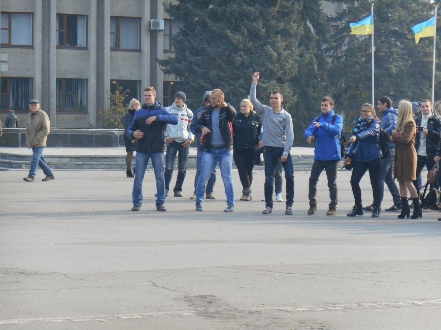 В Славянске прошла акция, посвященная Всеукраинскому Дню борьбы с раком молочной железы (фото) - фото 11