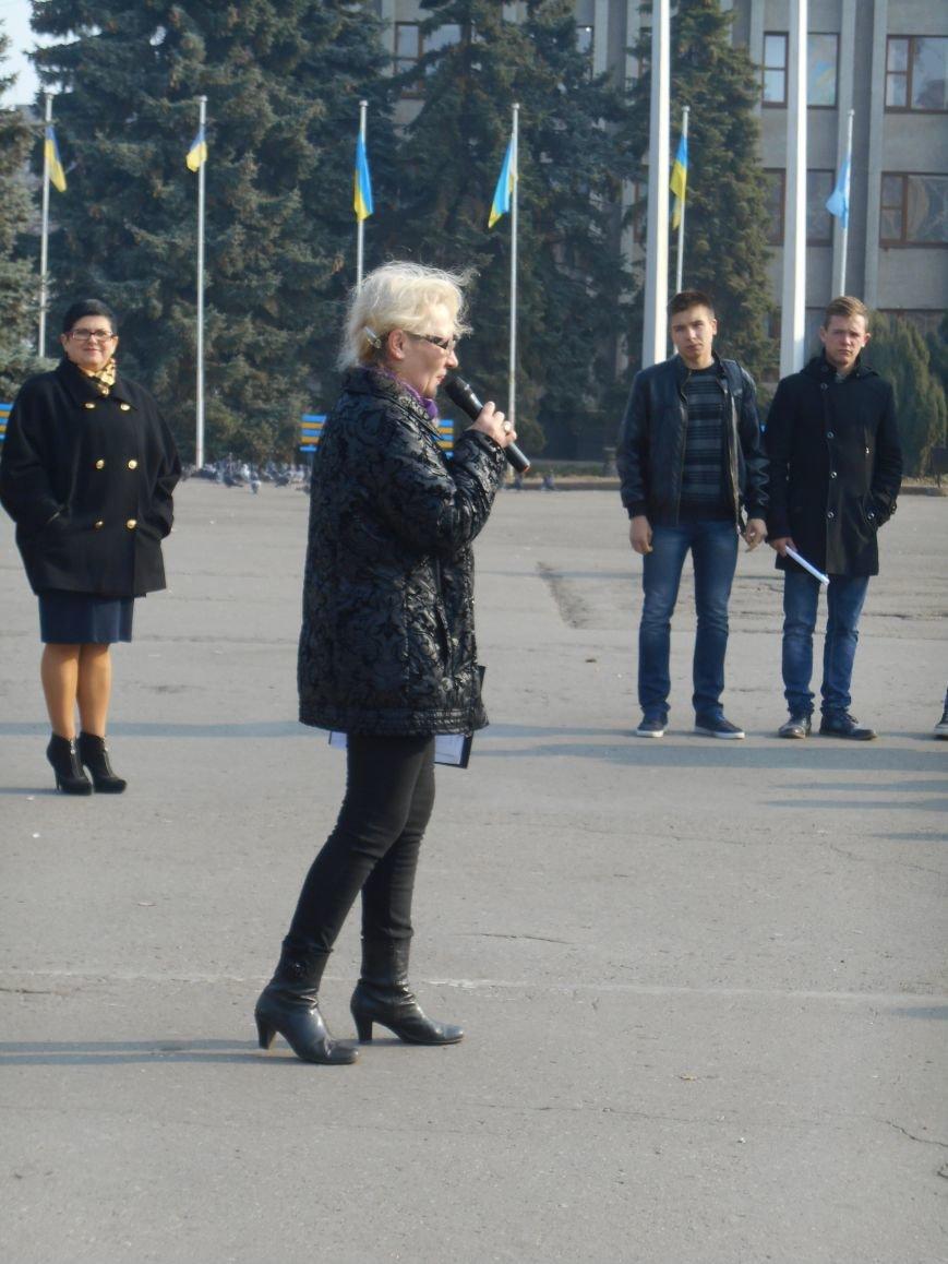 В Славянске прошла акция, посвященная Всеукраинскому Дню борьбы с раком молочной железы (фото) - фото 8