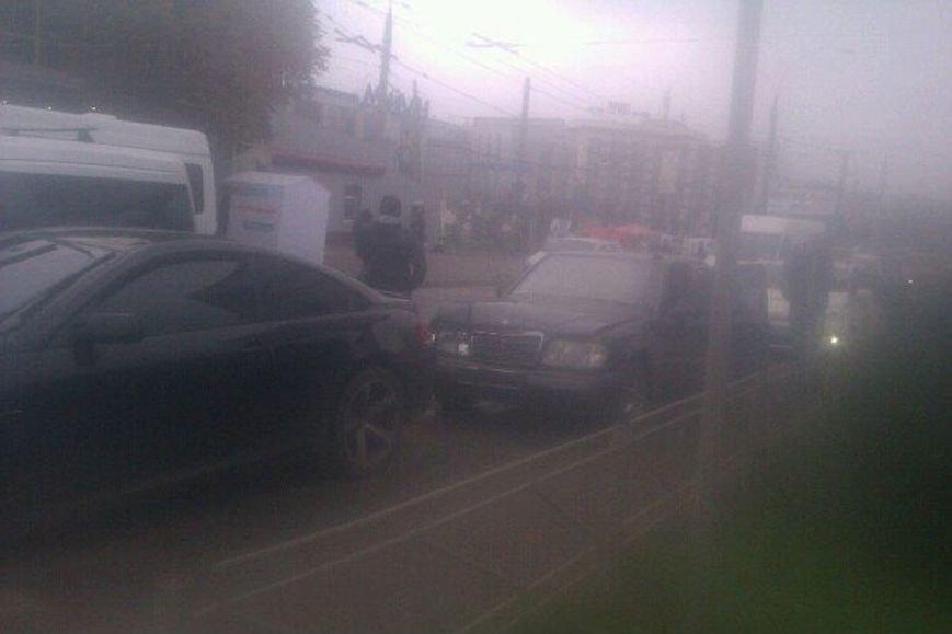 У Чернівцях на проспекті Незалежності сталася аварія (фото) - фото 1