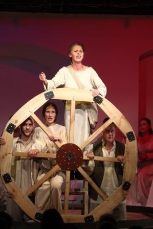 Жаркий октябрь в Молодежном театре (фото) - фото 3