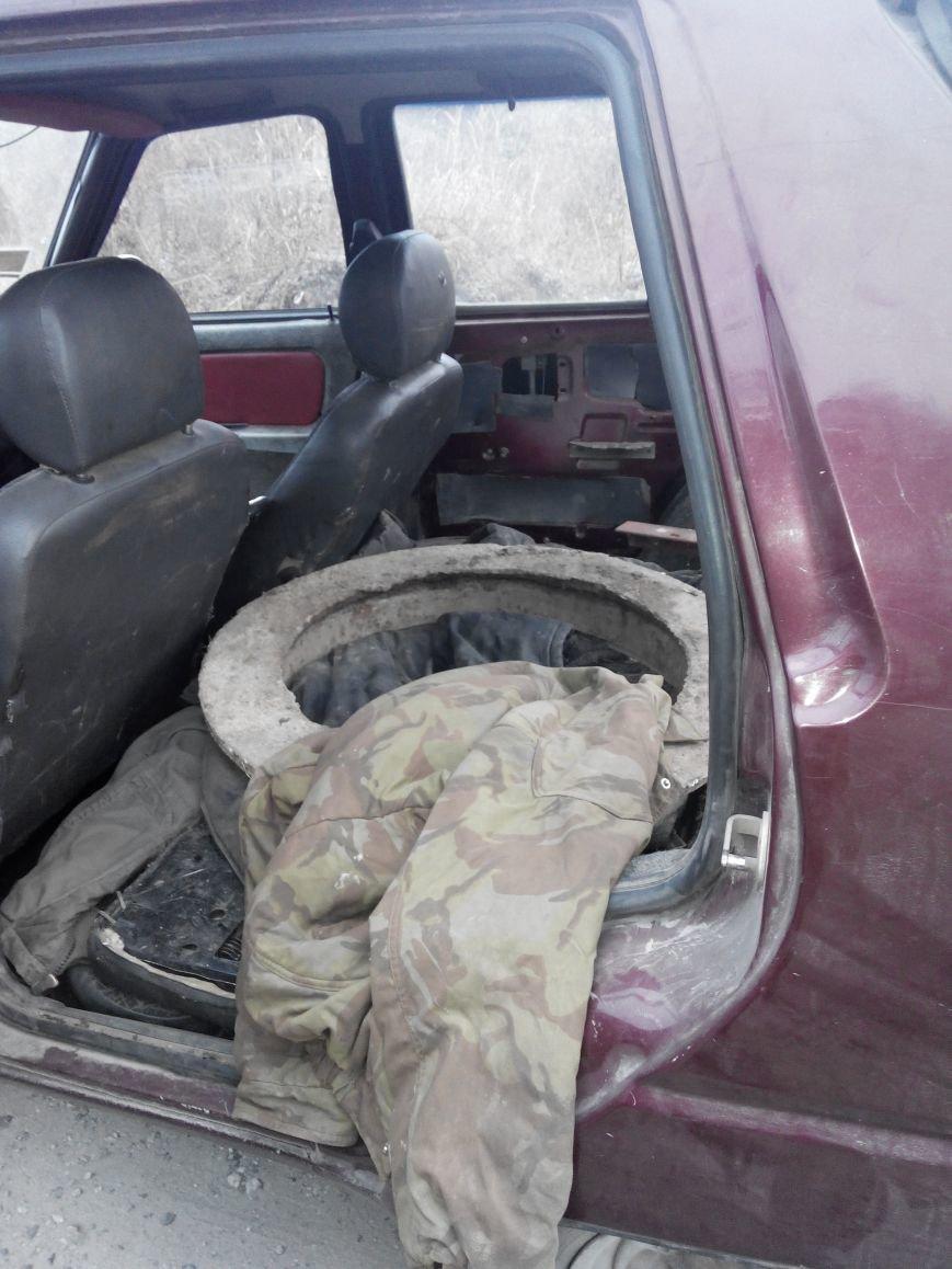 В Днепродзержинске задержаны воры канализационных люков (фото) - фото 1
