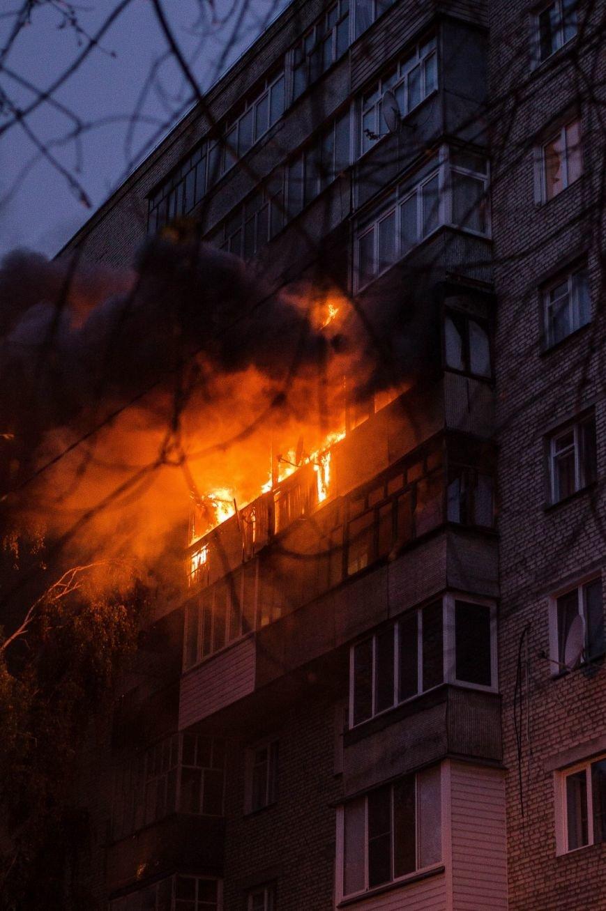 Крупный пожар в жилом доме на Кожара: сгорели несколько балконов  (ФОТО), фото-1