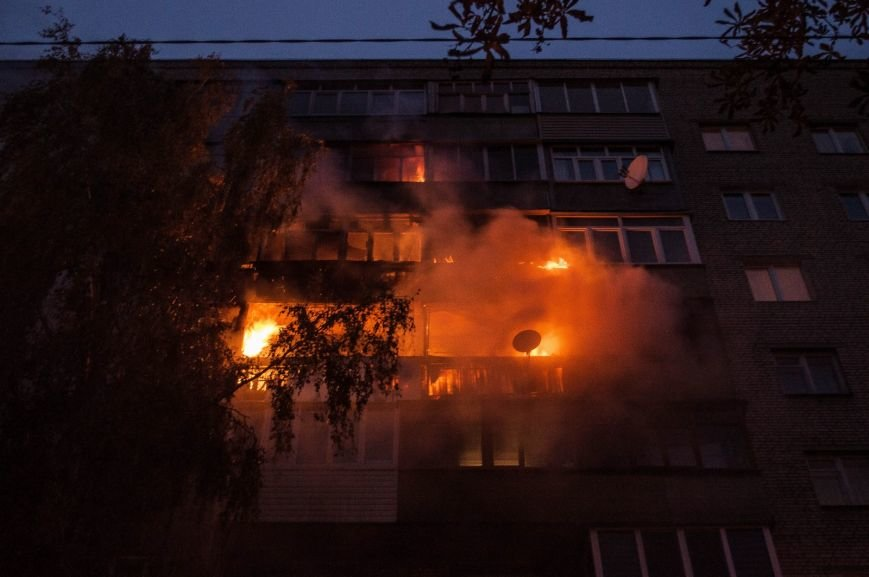 Крупный пожар в жилом доме на Кожара: сгорели несколько балконов  (ФОТО), фото-6