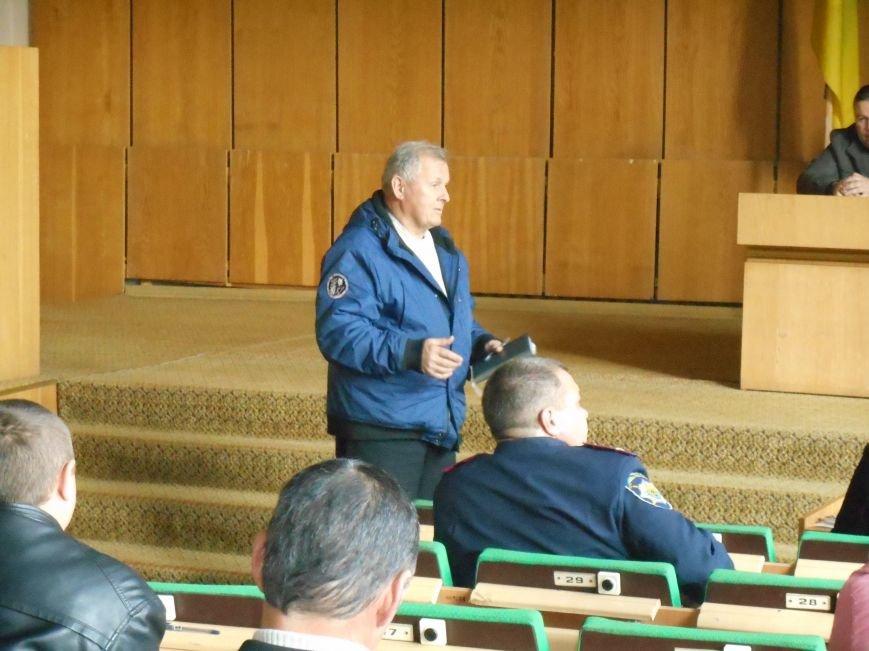 Городской совет провел заседание по вопросам безопасной жизнедеятельности населения (фото) - фото 3