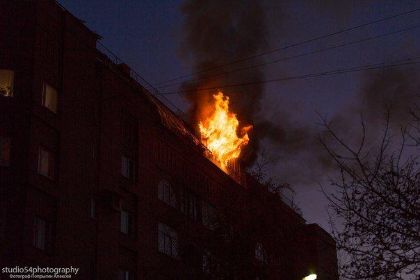 Фотоотчет с очередного пожара в Пушкине. К счастью - жертв нет (фото) - фото 1