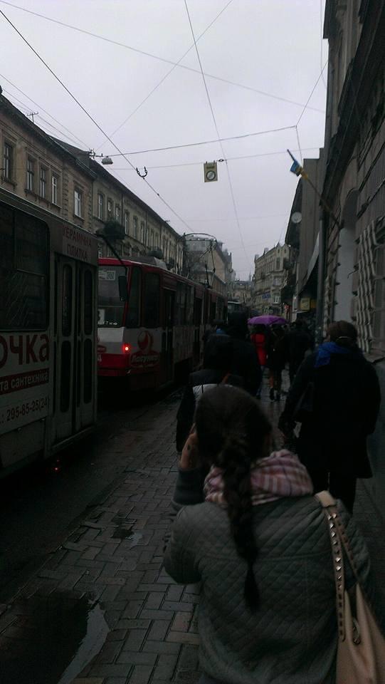 У Львові тимчасово зупинились трамваї (ФОТО), фото-3