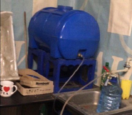 У Львові 35-річний чоловік підробляв горілку у власному помешканні (ФОТО) (фото) - фото 1