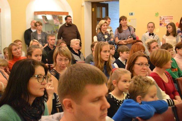 Детская библиотека в городе Пушкине делает все возможное, чтобы дети продолжали читать книги (фото) - фото 5