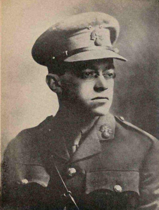 Зеев Жаботинский в форме еврейского легиона