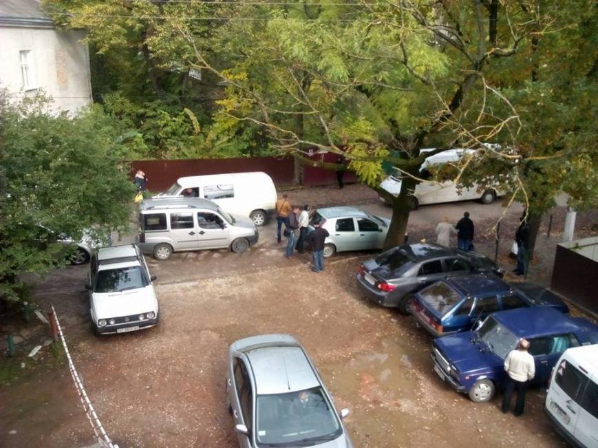 У Франківську затримано чоловіка, який розгулював з гранатами та патронами, фото-3