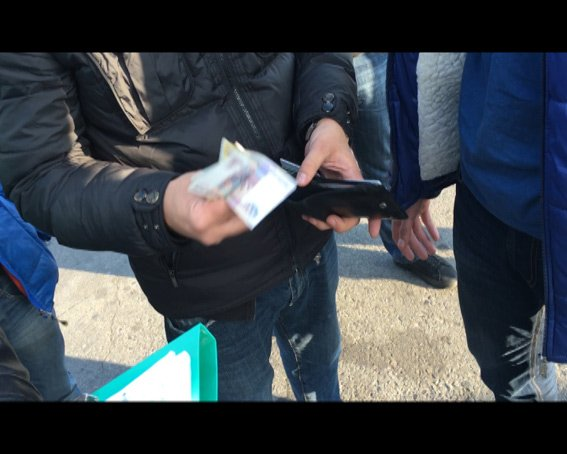 Житель Запорожья пытался вывезти из Харькова в Россию четырех проституток (ФОТО) (фото) - фото 1