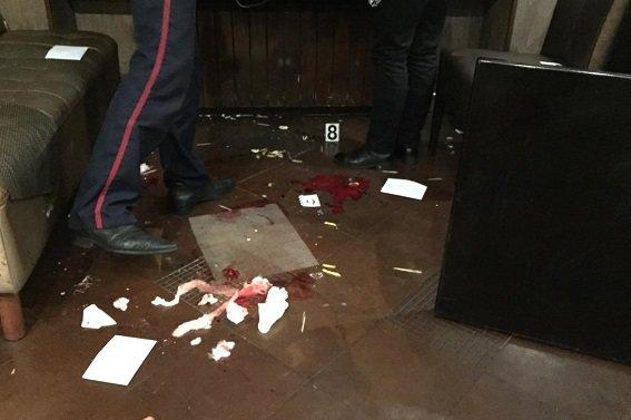 На Печерске в кафе произошла стрельба, есть раненые (ФОТО) (фото) - фото 1