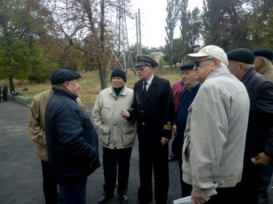 В Мариуполе открыли памятник погибшим морякам (ФОТО+ВИДЕО) (фото) - фото 1