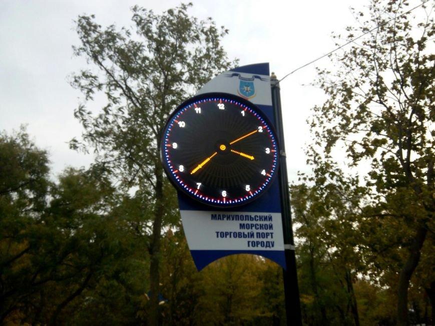 В Мариуполе появились необычные часы (ФОТОФАКТ), фото-2