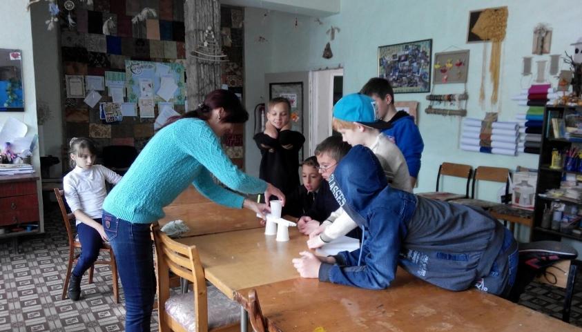 В Доброполье прошел квест «Арт –бум» в рамках городского проекта « Мы сами творим будущее» (фото) - фото 1
