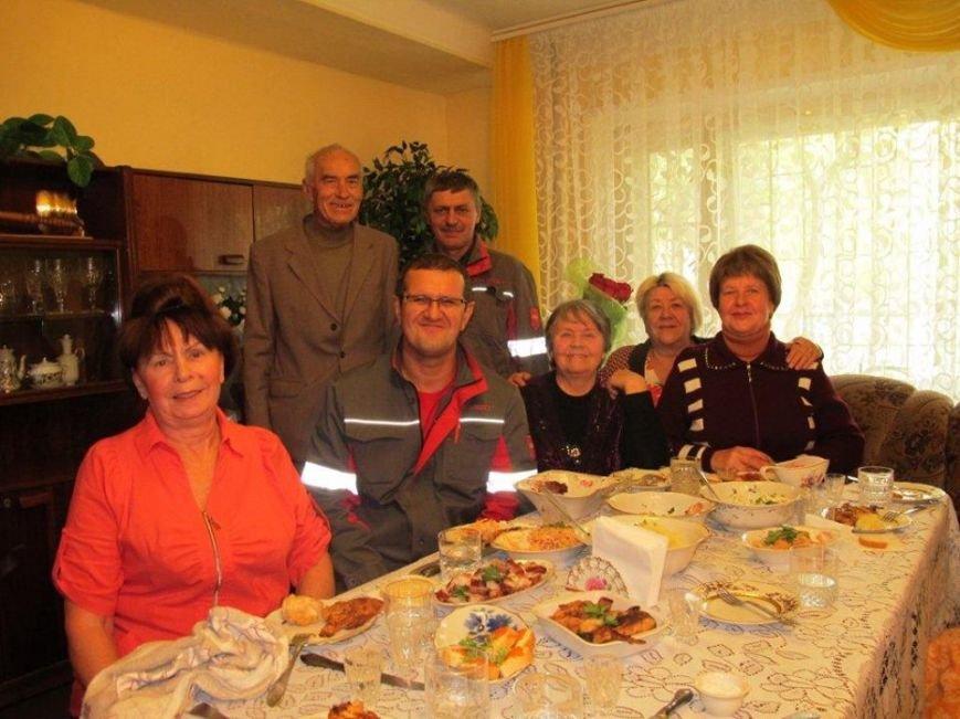 Муса Магомедов поздравил от имени большой семьи заводчан с 80-летним юбилеем человека, стоявшего у истоков АКХЗ (ФОТО), фото-2