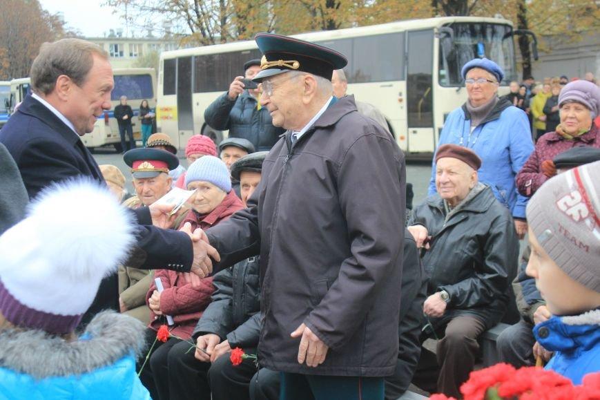 Днепродзержинск отмечает 72-ю годовщину освобождения города от немецко-фашистских захватчиков, фото-18
