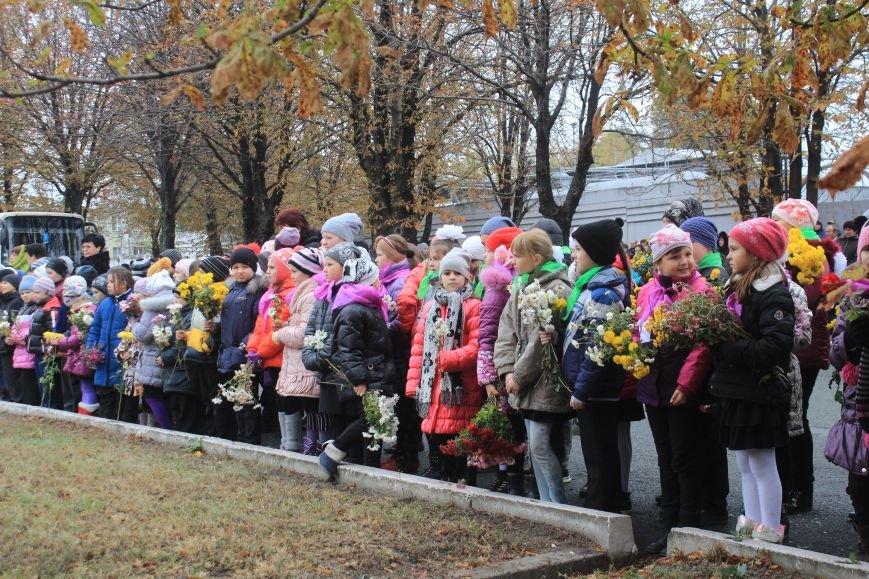 Днепродзержинск отмечает 72-ю годовщину освобождения города от немецко-фашистских захватчиков, фото-1