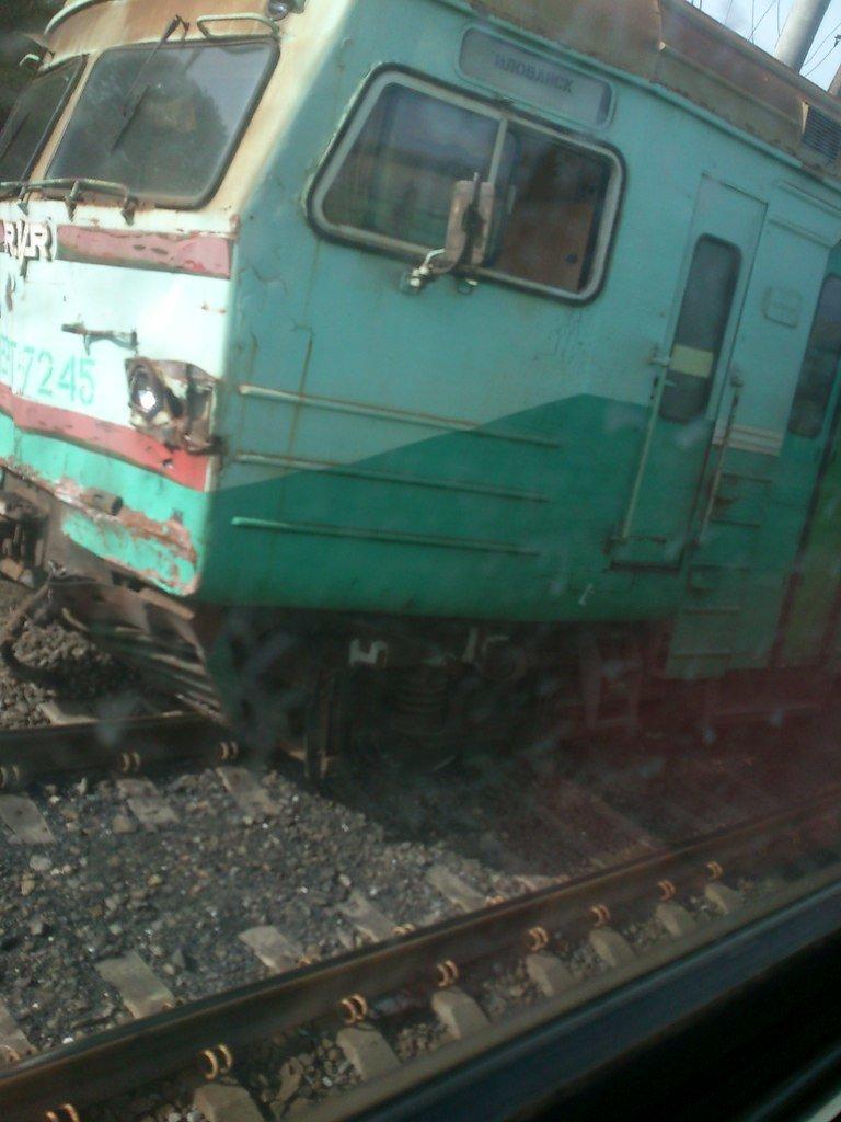 В «ДНР» поезд сошел с рельсов, сбив машину (ФОТО) (фото) - фото 2