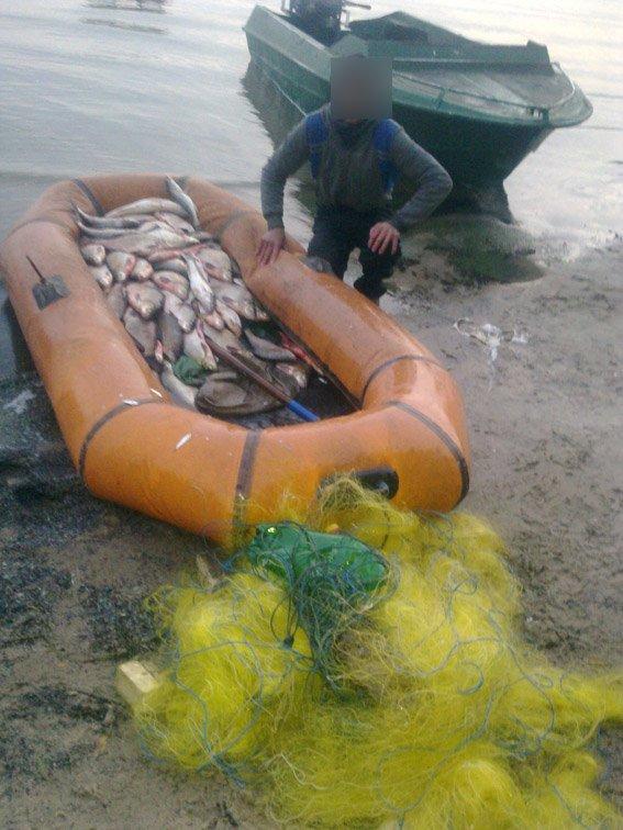 Кременчугские водные милиционеры поймали четверых браконьеров (ФОТО) (фото) - фото 1